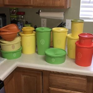 Vintage Tupperware lot 12 containers